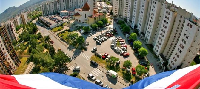 Što se to događa s tržištem nekretnina u Splitu? Stanovi se bezuspješno prodaju i po nekoliko godina, ali kvadrati postaju sve skuplji!? Ni stranci više ništa ne kupuju …